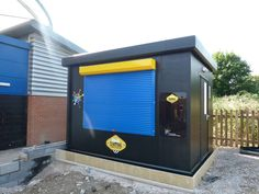 This Food Cube had just been installed at Beaufort Academy. The academy was also undertaking work to the land around this site, ready for the new school year. Roller Doors, Roller Shutters, The New School, New School Year, Home Appliances, Cubes, Powder, Industrial, Food