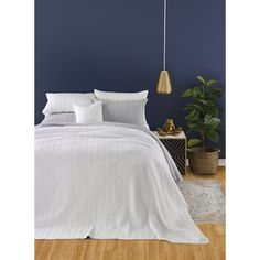 New Oswalt Quilt Set by Foundry Select. Bedding Furniture from top store Single Duvet Cover, Duvet Cover Sets, Comforter Sets, Bedding, Widespread Bathroom Faucet, Kingston Brass, Quilt Sets, Online Shopping Stores, Decoration