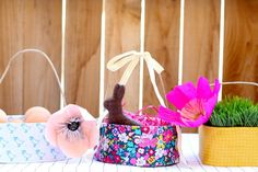 diy easter baskets via you are my fave Holiday Activities, Holiday Crafts, Christmas Diy, Crafts For Kids To Make, Easy Crafts, Easy Diy, Easter Crafts For Kids, Easter Ideas, Easter Baskets