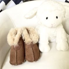 HP👑 Bear Paw Sheep Skin boots 5 Infant 👑 EVERYTHING KIDS HOST PICK 1/19👑         🐳 Bear Paw boots. Authentic sheep skin. Great for boy or girl. Excellent condition. Used for photo shoot only; so are NWOT. Size 5 Infant Personal images 🙇🏻 BearPaw Shoes Boots