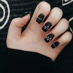 Incredible Black Nail Art Designs for Girls - More Nails 3 - Uñas Cute Acrylic Nails, Matte Nails, Fun Nails, Black Nail Art, Black Nails, Matte Black, Black Glitter, Black Art, Black White