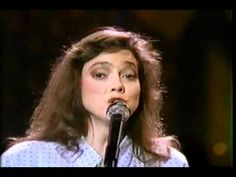 Nanci Griffith : Lonestar State Of Mind (1986)-one of my favorite singers.