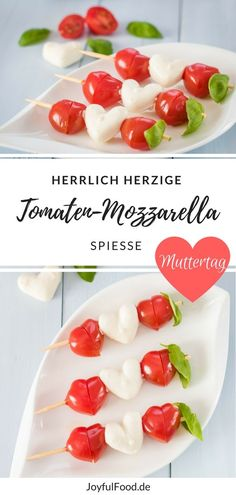 Recipe for tomato and mozzarella skewers. The special thing: they are heart-shaped. - Recipe for tomato and mozzarella skewers. The special thing: they are heart-shaped. Super easy and - Party Finger Foods, Snacks Für Party, Appetizers For Party, Tomato Mozzarella Skewers, Mozzarella Caprese, Caprese Skewers, Aubergine Mozzarella, Brunch Recipes, Breakfast Recipes