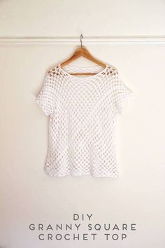 If you are looking for an Easy project then this is the one to try. This pattern shows you how to use 2 oversized Granny squares and a few extra rows of stitches to make this adorable lace mess top. Y