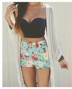 ♥-lich willkommen auf meiner seite ich bin gerade neu hier und möchte hier Fashion und Zeichnungen reinstellen wen ihr sowas mögt oder auch liebt dan seid ihr hier richtig ;) wen ihr fragen habt dan schreibt mich einfach an