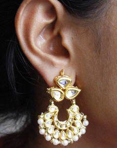 Mini Crescent Earrings whitegoldMAE373e