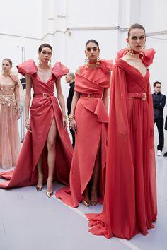 Elie Saab at Couture Spring 2020 - Elie Saab at Couture Spring 2020 Elie Saab at Couture Spring 2020 (Backstage) - Elie Saab Couture, Haute Couture Dresses, Haute Couture Fashion, Elegant Dresses, Pretty Dresses, Beautiful Dresses, Designer Gowns, Runway Fashion, Evening Dresses