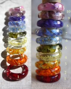 Resin ring bands in a rainbow assortment of colours. Diy Resin Art, Diy Resin Crafts, Acrylic Resin, Jewelry Crafts, Resin Jewlery, Resin Bracelet, Resin Ring, Gold Jewellery, Silver Jewelry