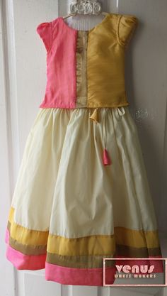 Venus dress makers girl's onam special skirts Source by ketkimodi Blouses Baby Girl Frocks, Baby Girl Party Dresses, Dresses Kids Girl, Toddler Girl Outfits, Kids Dress Wear, Kids Gown, Long Frocks For Girls, Kids Dress Collection, Kids Blouse Designs