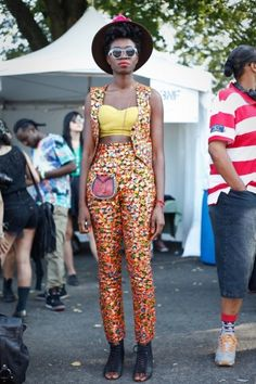 Ah the Afro Punk Festival 2013 was upon us and the hipsters did not disappoint. From box braids to cornrows, block colors to plain black – the style was impeccable. Afro Punk Fashion, Fashion Mode, Funky Fashion, Fashion Killa, Latest Ankara Dresses, Ankara Dress Styles, Her Style, Cool Style, Zoot Suits