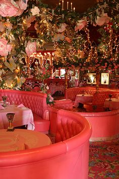 Madonna Inn, San Luis Obispo, CA. Kitsch hotel with differently themed rooms, each more eye-meltingly gaudy n' chintzy than the last one. Good steak restaurant if your Bauhaus sensibilities can't handle a full night here. Design Hotel, Bar Restaurant Design, Design Café, Deco Design, House Design, Pink Restaurant, Restaurant Manager, Rustic Restaurant, Restaurant Ideas