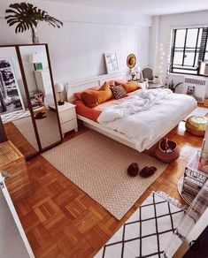 Modern Bedroom Design Trends and Ideas in 2019 Part bedroom ideas; bedroom ideas for small room; bedroom decorations decor ideas for women Modern Bedroom Design, Bed Design, Home Design, Design Ideas, Design Trends, Room Interior, Interior Design Living Room, Living Room Decor, Bohemian Bedroom Decor