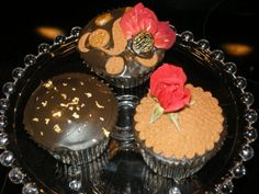 Hot Chocolate cupcakes - cupcakes hot chocolate cake, ganache, fondant, edible gold flakes and roses