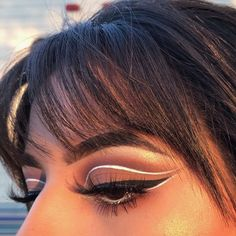 Prettiest glitters, shadows, highlights and lashes from www.glowcultcosmetics.com Beautiful makeup looks Inspiration tutorial ideas organization make up eye makeup eye brows eyeliner brushes contouring highlight strobe lashes tricks #lashestricks