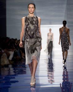Vera Wang Spring 2014, Vera Wang, Fashion Accessories, Runway, Formal Dresses, Shadows, Lamb, How To Wear, Inspiration
