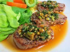 豚肉のなかで最もカロリーが低い、ヘルシーで柔らかいヒレ肉をステーキにしました。ソ...