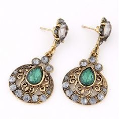 classic-drop-earrings-green-and-gold
