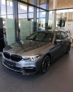 38 вподобань, 6 коментарів – Radek Svěrák (@bmw_radek_sverak) в Instagram: «#BMW5 #G30 #MPerformance #Mpaket #CarTecBMWOlomouc»