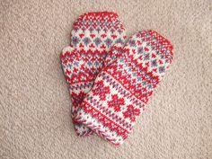 mittens by nicorik3, via Flickr
