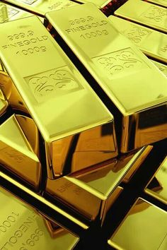 Money flows to me in avalanches of abundance every day, in every way, and in every amount. ~ETS #money #keepitcoming #gold