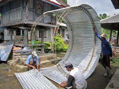 CoRe Solutions Indonesia building Ferro-cement rain harvesting tanks. This shows the rain tank forms. http://www.coresolutionsindo.com