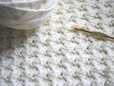 Easy blanket stitch -- This easy stitch is perfect for an afghan or blanket. It is just sets of 3 stitches, one single crochet and two doubles. Use it for a baby blanket in a pretty pink or blue or for a regular afghan with bright colors! Crochet Afghans, Grannies Crochet, Crochet Stitches For Blankets, Crochet Motifs, Knit Or Crochet, Learn To Crochet, Baby Blanket Crochet, Crochet Crafts, Yarn Crafts