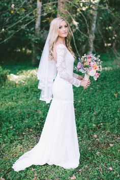 boho vintage bride in our lace wedding dress Antonia www.graceloveslace.com #boho #bohobride #weddingdress