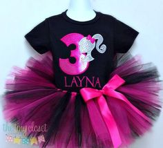 This adorable birthday set includes one shirt or onesie with the birthday design, your child's age and your child's name included! Paired with a very full tutu & ribbon bow embellishment! We use Kavio Barbie Theme Party, Barbie Birthday Party, Birthday Tutu, Girl Birthday, Birthday Ideas, Tutu Size Chart, Barbie Princess, First Birthday Photos, Baby Tutu