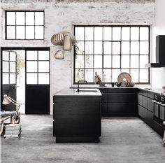 Black and white detailed kitvchen | Black windows