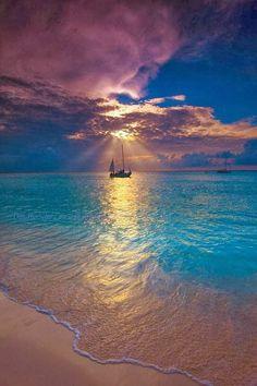 Stunning Views: Makalawena Beach - Kailua Kona, Hawaii