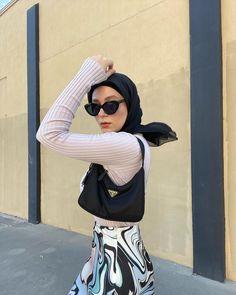 Hajib Fashion, Street Hijab Fashion, Muslim Fashion, Modest Fashion, Fashion Outfits, Chic Outfits, Pretty Outfits, Hijab Fashionista, Casual Hijab Outfit