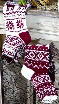 Носки с геометрическим орнаментом Fair Isle Knitting, Knitting Socks, Free Knitting, Knitted Christmas Stockings, Christmas Knitting, Knitting Patterns, Crochet Patterns, Knitted Slippers, Knit Or Crochet