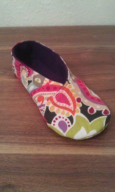 Kimono Women's Slipper Shoes DIY Fabric Free Pattern and Tutorial