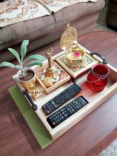 Diy table decorations kids small spaces 19 ideas for 2019 Ethnic Home Decor, Indian Home Decor, Diy Home Crafts, Diy Home Decor, Indian Inspired Decor, Red Kitchen Decor, Diy Kitchen, Indian Interiors, House Plants Decor