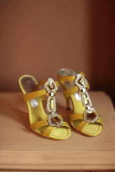 golden yellow topaz Indian wedding shoes via In… – Weddings Fancy Shoes, Pretty Shoes, Beautiful Shoes, Me Too Shoes, Pink Wedding Shoes, Yellow Wedding, Marigold Wedding, Peacock Wedding, Desi Wedding