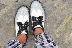 For more visit : http://www.mariezamboli.com/2014/03/pantaloni-vita-alta-in-pied-de-poule-e.html