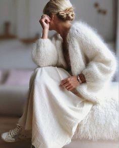 Look Fashion, Autumn Fashion, Fashion Outfits, Womens Fashion, Fashion Design, Oversized Knit Cardigan, Crochet Cardigan, Crochet Jacket, White Cardigan
