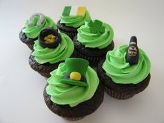 Google Image Result for http://asianmommy.com/files/images/Language%20Spot/2010/St.%20Patrick%27s%20Day%20cupcakes.JPG