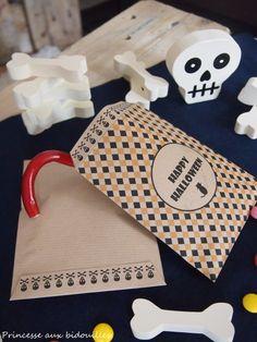 Imprimible de bolsa para chucherías de Halloween >> Free printable Halloween treat bags