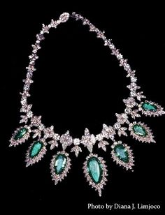 Buccellati Necklace, recovered from Imelda Marcos after she fled the Philippines Emerald Necklace, Diamond Pendant Necklace, Photo Jewelry, Fine Jewelry, Royal Jewels, Luxury Jewelry, Jewelry Collection, Jewelery, Vintage Jewelry