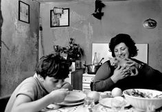 Ferdinando Scianna. Lombardy region. In the countryside near Brescia. 1976. Dinner time in a working class home.