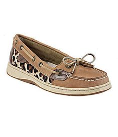 Really would love a pair of sperrys - Sperry Top-Sider - Women's Angelfish Slip-On Boat Shoe Cheetah Shoes, Cute Shoes, Me Too Shoes, Sperry Boat Shoes, Sperry Top Sider, Crazy Shoes, Dream Shoes, Outfits, Feminine Fashion