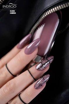Novelties of a stylish summer manicure on tanned hands .- Neuheiten einer stilvollen Sommermaniküre auf gebräunten Händen und nicht seh… Novelties of a stylish summer manicure on tanned hands and not very much! Elegant Nails, Classy Nails, Stylish Nails, Trendy Nails, Cute Nails, Smart Nails, Fancy Nails, Perfect Nails, Gorgeous Nails