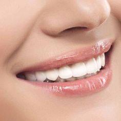 Selbstgemachte Zahnpasta für strahlende Zähne und ohne Giftstoffe! (© Leonid & Anna Dedukh - Fotolia.com)