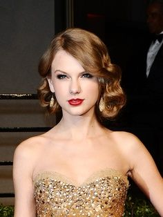This picture is so gorgeous:) I love her hair! My favorite Taylor hairstyle by far! #TaylorSwift #BeautifulHair