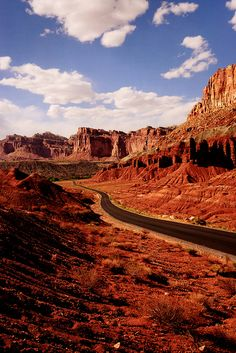 *UTAH ~ Capitol Reef National Park, Utah by stephane (montreal) Capitol Reef National Park, National Parks, Bryce Canyon, Places To Travel, Places To See, Wonderful Places, Beautiful Places, Parque Natural, New Orleans