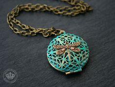 Ketten - Vintage Medaillon Halskette *Libelle* - ein Designerstück von JanoschDesigns bei DaWanda