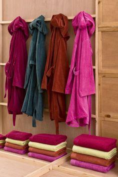 Albornoces 2013 http://www.lamallorquina.es/es/17-toallas-y-bano #hogar