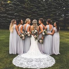 Bridesmaids wedding photo ideas -fall bridesmaid dresses and colors Brautjungfern, die Fotoideen wedding sind – fallen Brautjungfernkleider und Wedding Picture Poses, Wedding Photography Poses, Wedding Poses, Wedding Photoshoot, Bridal Party Poses, Ideas For Wedding Pictures, Wedding Family Photos, Vintage Wedding Photography, Wedding Dress Pictures