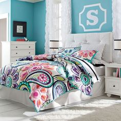 Find cute and cool girls bedroom ideas at Pottery Barn Teen. Shop your dream room with our teen room inspiration and ideas. Teen Furniture, Girls Bedroom Furniture, Kids Bedroom, Bedroom Ideas, Bedroom Decor, Furniture Ideas, Bedroom Sofa, Sofa Ideas, White Furniture